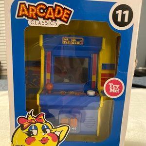 Mini Arcade Classic Ms. Pac-man 11